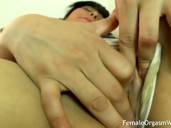 first time amateur masturbates her large twat