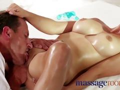 massage rooms expert masseur technique makes gals