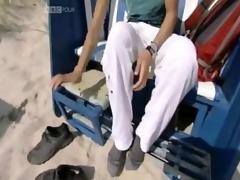 julia bradbury feet